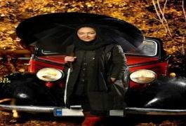 تصویر: ستاره زن سینمای ایران در کنار ماشین عتیقه